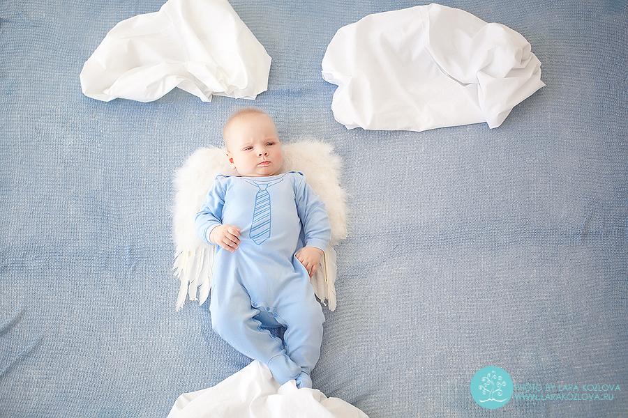 Забавные фото с младенцами малыш ангелок